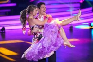 Let's Dance 2021 Show 1 - Lola Weippert und Christian Polanc tanzen Quickstep