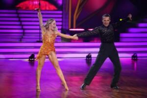 Let's Dance 2021 Show 2 - Erol Sander und Marta Arndt tanzen Cha Cha Cha