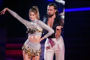 Let's Dance 2021 Show 2 - Kim Riekenberg und Pasha Zvychaynyy tanzen Cha Cha Cha