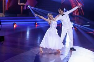 Let's Dance 2021 Show 3 - Erol Sander und Marta Arndt tanzen Wiener Walzer
