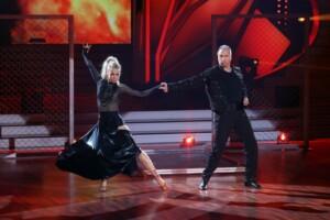 Let's Dance 2021 Show 3 - Kai Ebel und Kathrin Menzinger tanzen Paso Doble