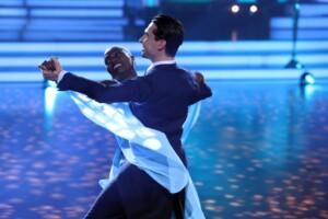 Let's Dance 2021 Show 3 - Auma Obama und Andrzej Cibis tanzen Slowfox