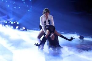 Let's Dance 2021 Show 3 - Mickie Krause und Malika Dzumaev tanzen Rumba