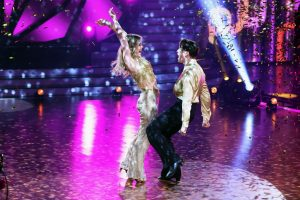 Let's Dance 2021 Show 3 - Ilse DeLange und Evgeny Vinokurov tanzen Cha Cha Cha