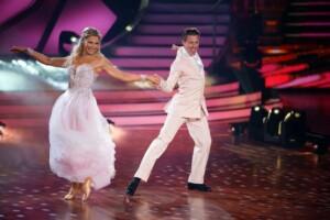 Let's Dance 2021 Show 5 - Valentina Pahde und Valentin Lusin tanzen Slowfox