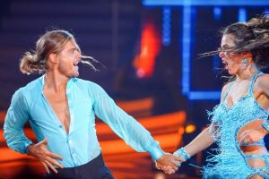 Let's Dance 2021 Show 7 - Rúrik Gíslason und Renata Lusin tanzen Cha Cha Cha