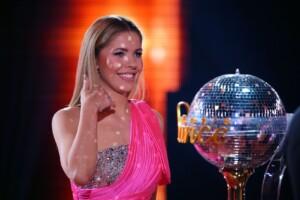 Let's Dance 2021 Finale - Moderatorin Victoria Swarovski