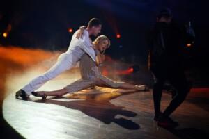 Let's Dance 2021 Finale - Valentina Pahde und Valentin Lusin tanzen Rumba