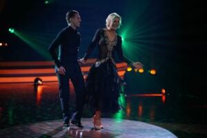 Let's Dance 2021 Finale - Valentina Pahde und Valentin Lusin tanzen Wiener Walzer