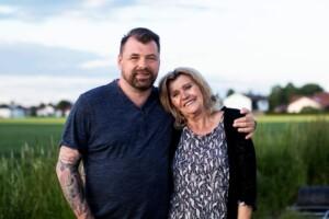 Schwiegertochter gesucht 2021 - Christian und Mama Veronika