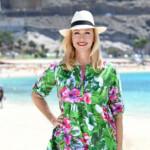 Moderatorin Andrea Kiewel am Playa de Amadores auf Gran Canaria.