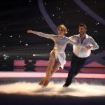 Dancing on Ice 2019 Show 5 - Lina Larissa Strahl und Joti Polizoakis