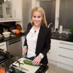 Promi Dinner - Dschungel-Spezial - Angelina Heger