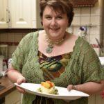 Promi Dinner Bauer sucht Frau-Spezial – Gastgeberin Iris