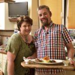 Promi Dinner Bauer sucht Frau-Spezial – Gastgeber Iris und Uwe