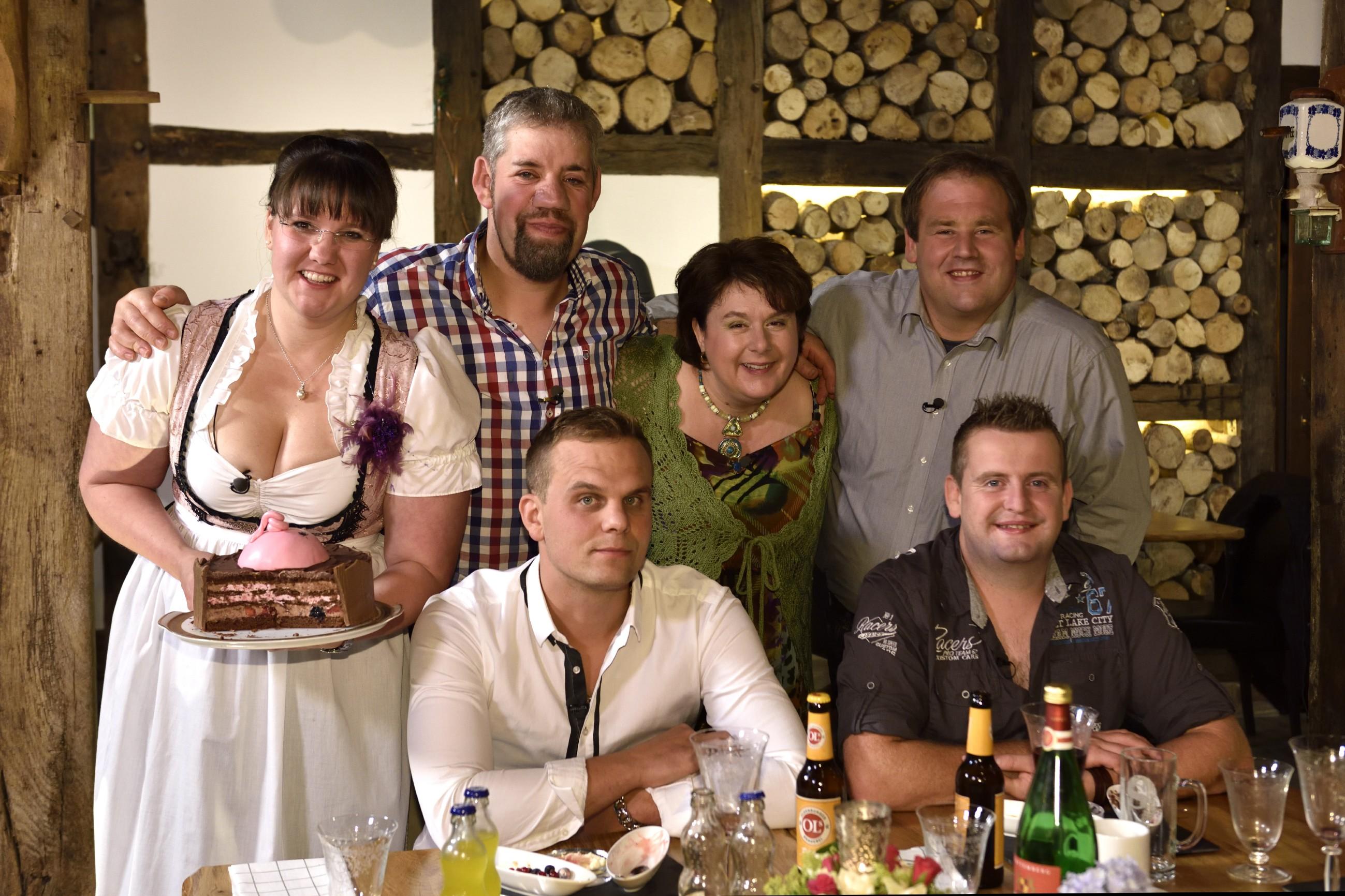 H.v.l.: Katja, Uwe, Iris, Marcel V.v.l.: Gunther, Sebastian