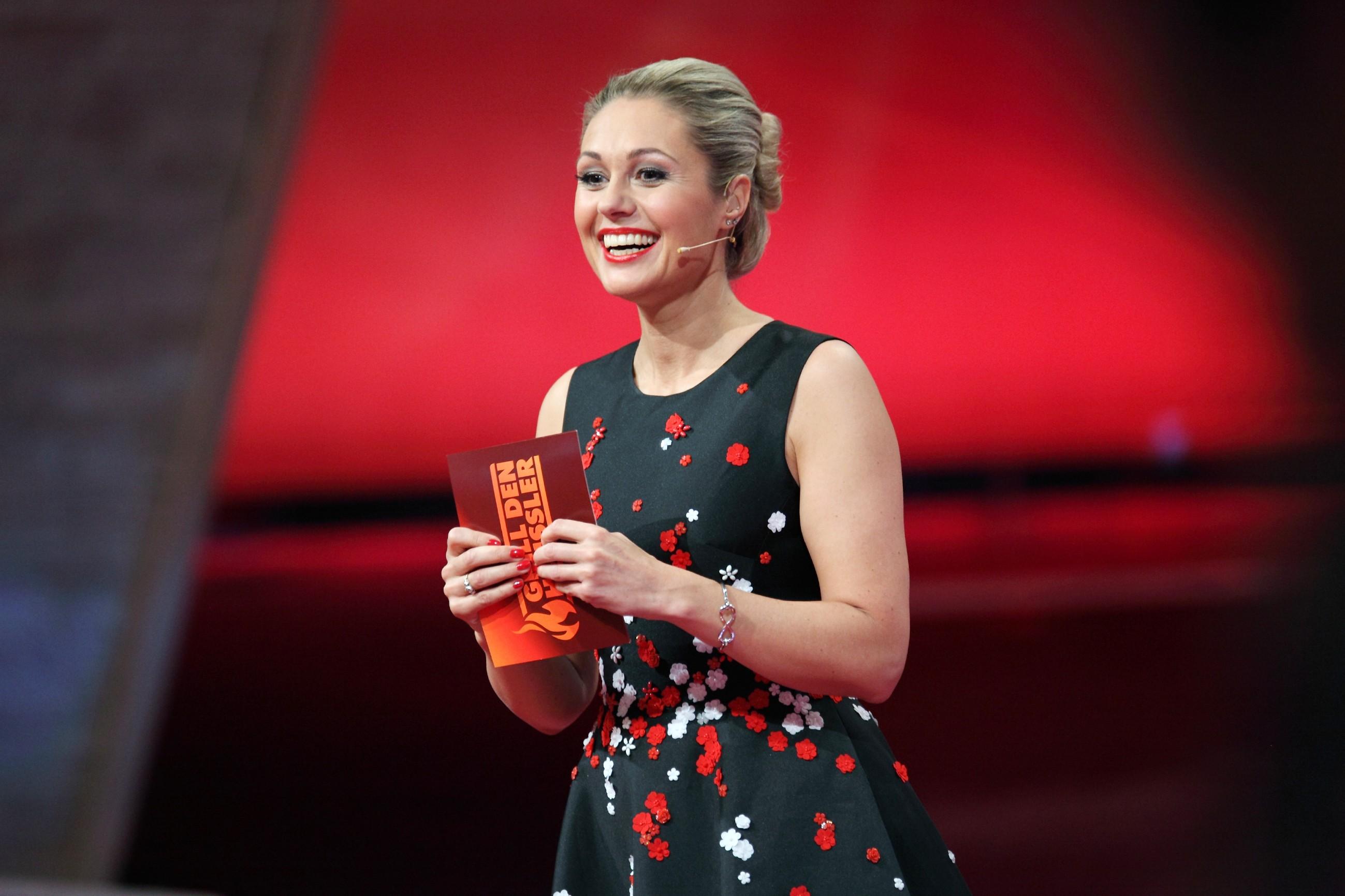 Grill Den Henssler 2016 Moderatorin Ruth Moschner Stars On Tv