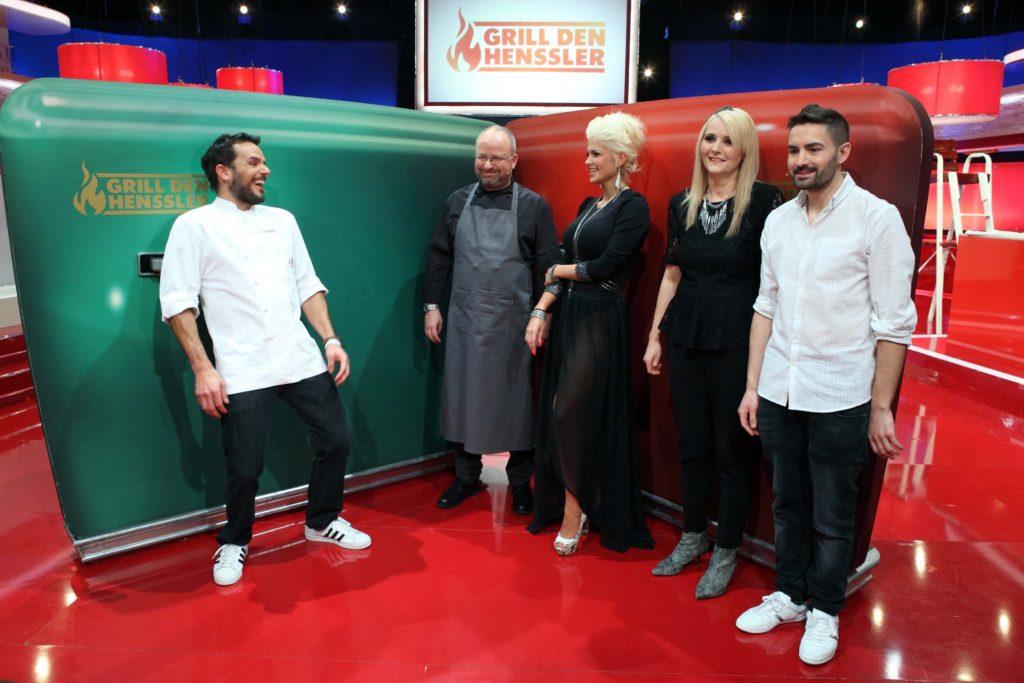 V.l.: Steffen Henssler, Koch-Coach Christian Lohse, Sophia Wollersheim, Helena Fürst und Menderes Bagci.