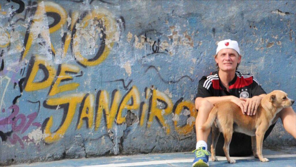 Bernhard Weber lebt seit knapp acht Jahren in den Favelas von Rio de Janeiro.