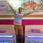 Goodbye Deutschland! Viva Mallorca! - Gregor mit seinem Fish Spa in Peguera