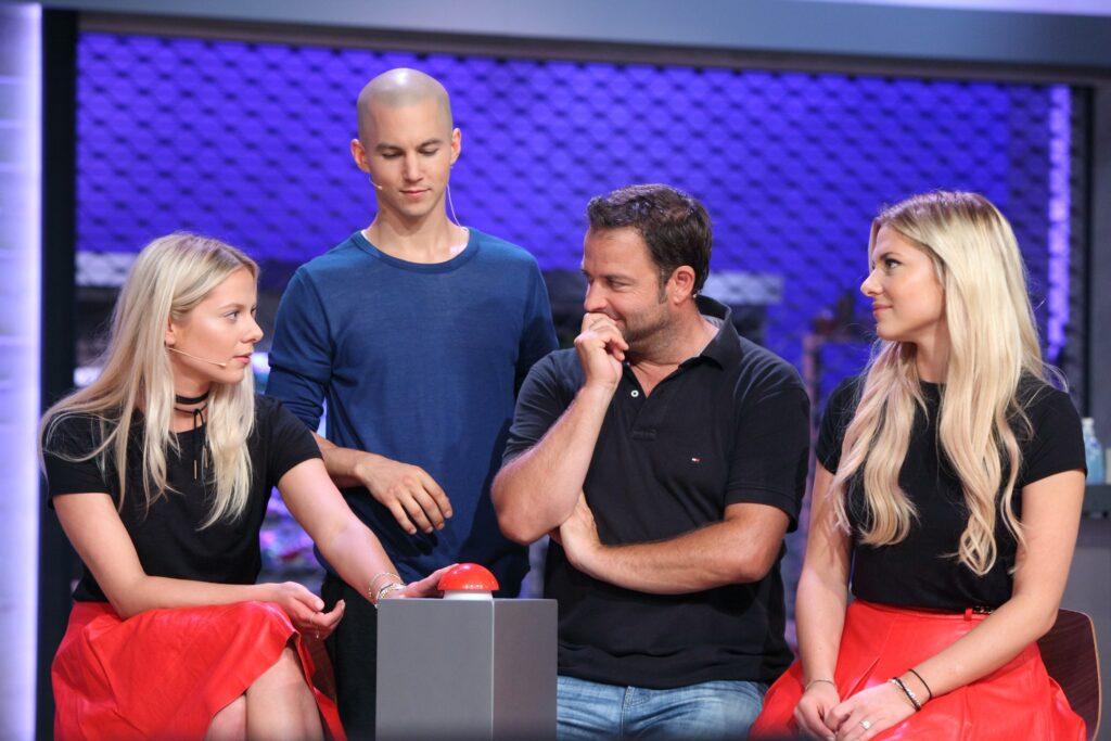 V.l.: Cheyenne Pahde, Tim Oliver Schultz, Martin Rütter und Valentina Pahde.