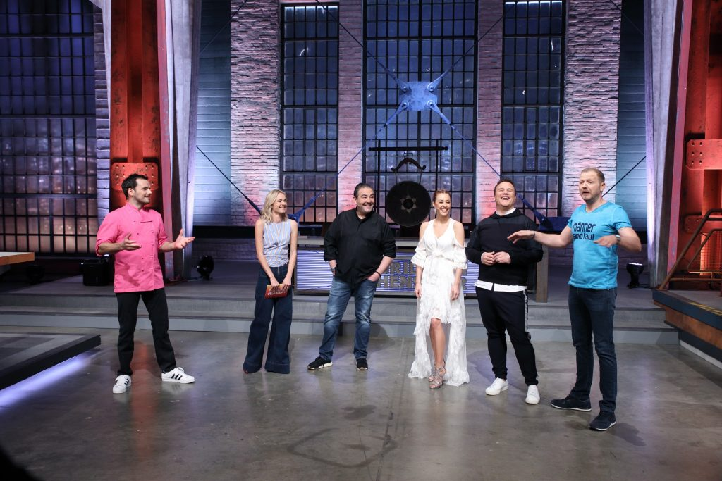 V.l.: Steffen Henssler, Annie Hoffmann, Juan Amador, Oana Nechiti, Guido Maria Kretschmer und Mario Barth