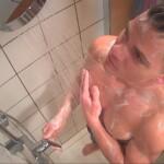 Big Brother 2020 Tag 2 - Cedric unter der Dusche