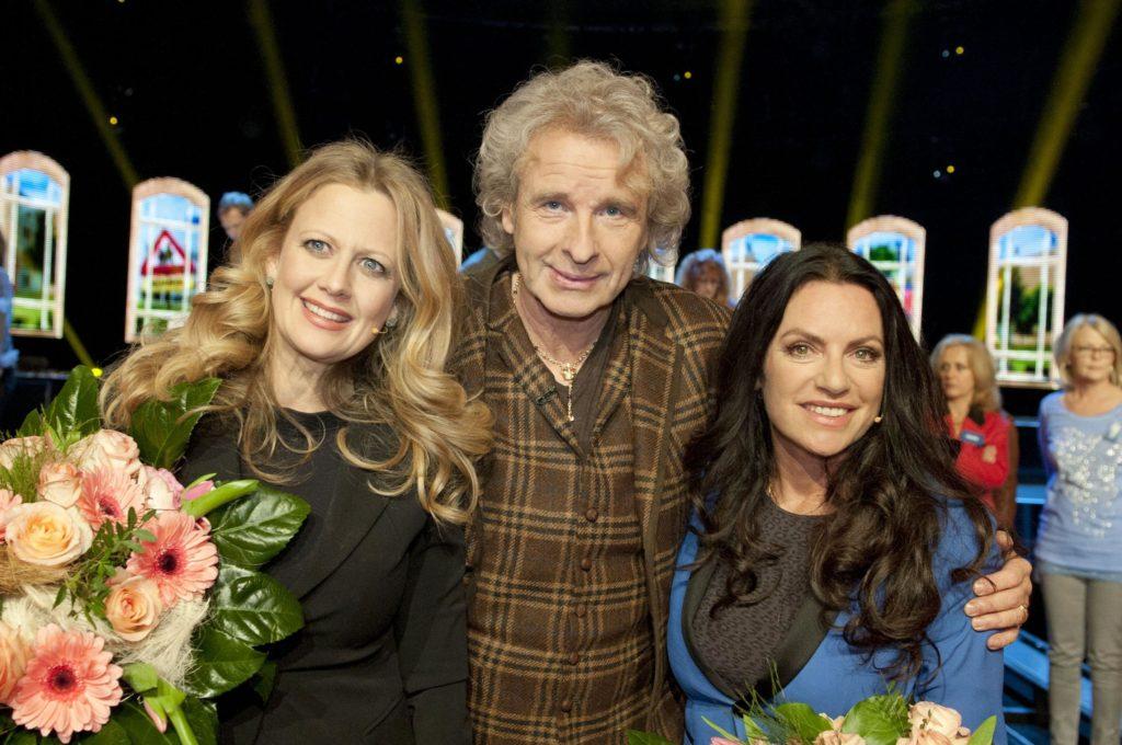Moderator Thomas Gottschalk mit seinen Gästen Barbara Schöneberger (l.) und Christine Neubauer.