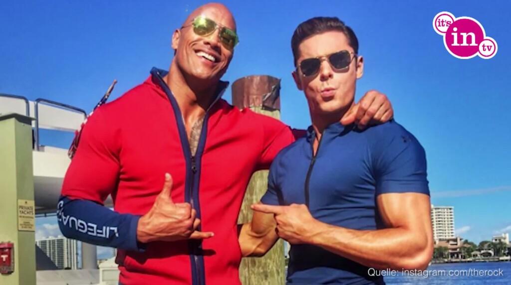 """""""The Rock"""" und sein Co-Star Zac Efron, der sich neben Dwayne nicht verstecken muss."""