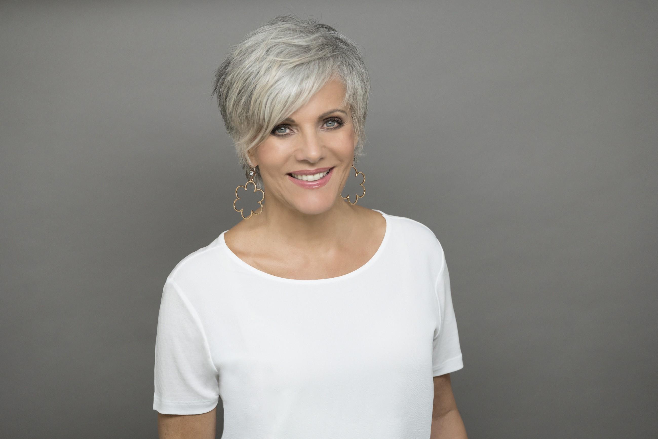 Birgit Schrowange zum ersten Mal mit grauen Haaren › STARSonTV