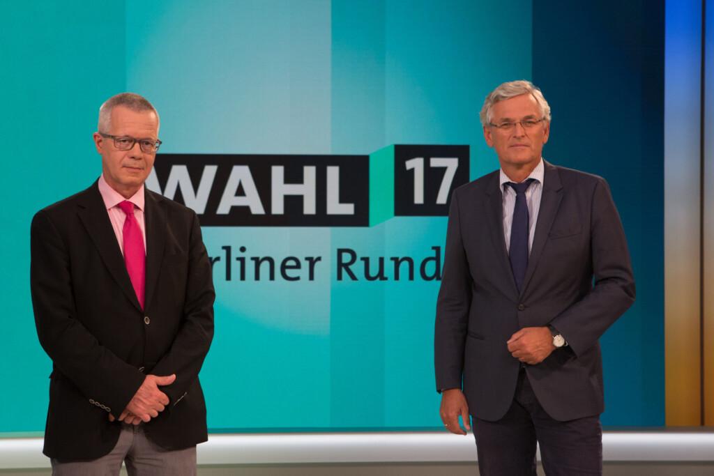 """Rainald Becker und Peter Frey moderieren die """"Berliner Runde""""."""