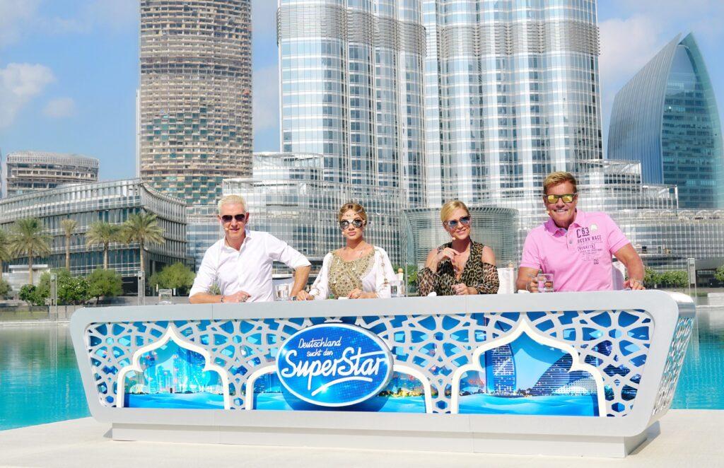 Die Jury: V.l.: H.P. Baxxter, Shirin David, Michelle und Dieter Bohlen im Auslandsrecall in den Vereinigten Arabischen Emirate.