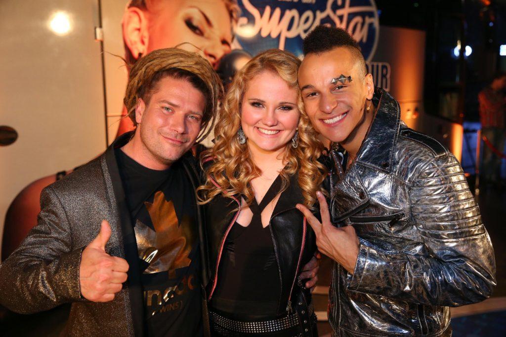 Die Zuschauer haben entschieden. Thomas Katrozan (l.) Laura van den Elzen und Prince Damien sind im Finale von DSDS.
