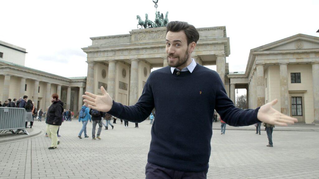 Vier Folgen lang präsentiert der 33-Jährige Jan Köppen erstaunliche Facts über Deutschland und seine Einwohner.