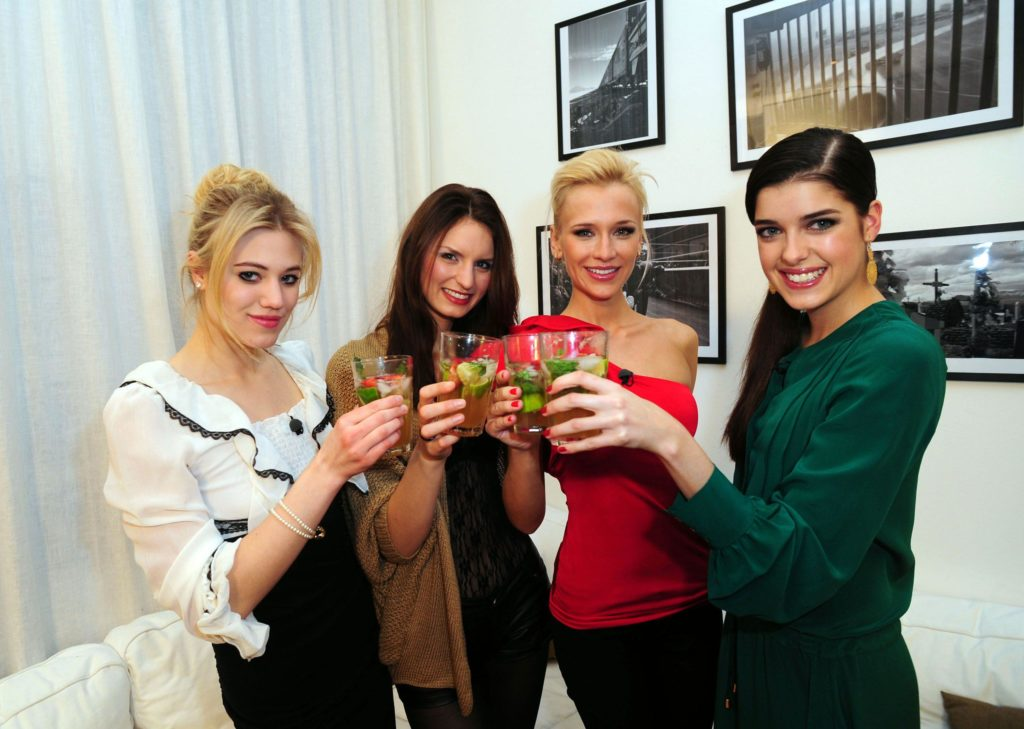 V.l.: Larissa Marolt, Neele Hehemann, Lisa Loch, Marie Nasemann