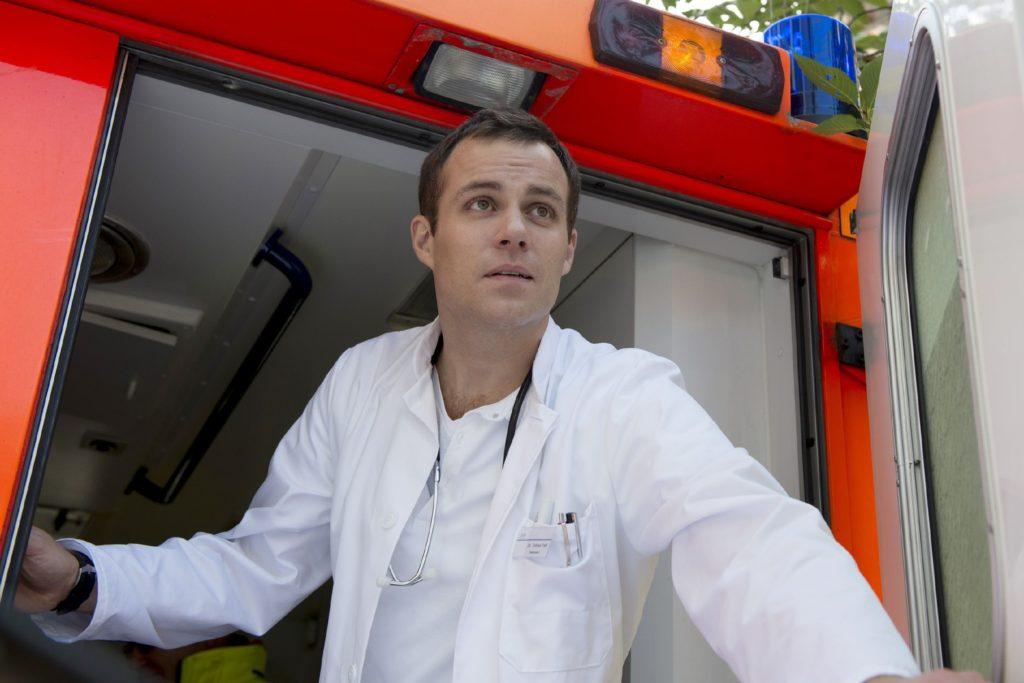 Wird es Dr. Tobias Falk (Bernhard Piesk) gelingen, aus der JVA auszubrechen?