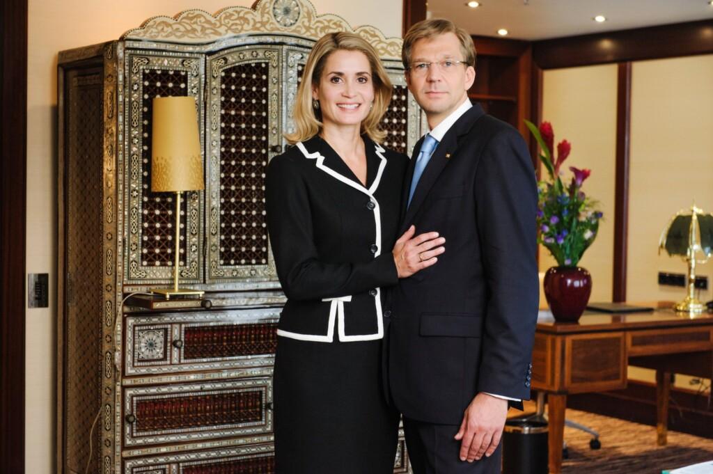 Mit Kai Wiesinger und Anja Kling in den Hauptrollen hat SAT.1 Christian Wulffs letzte 68 Tage im Amt als Staatsoberhaupt der Bundesrepublik Deutschland als Doku-Drama verfilmt.