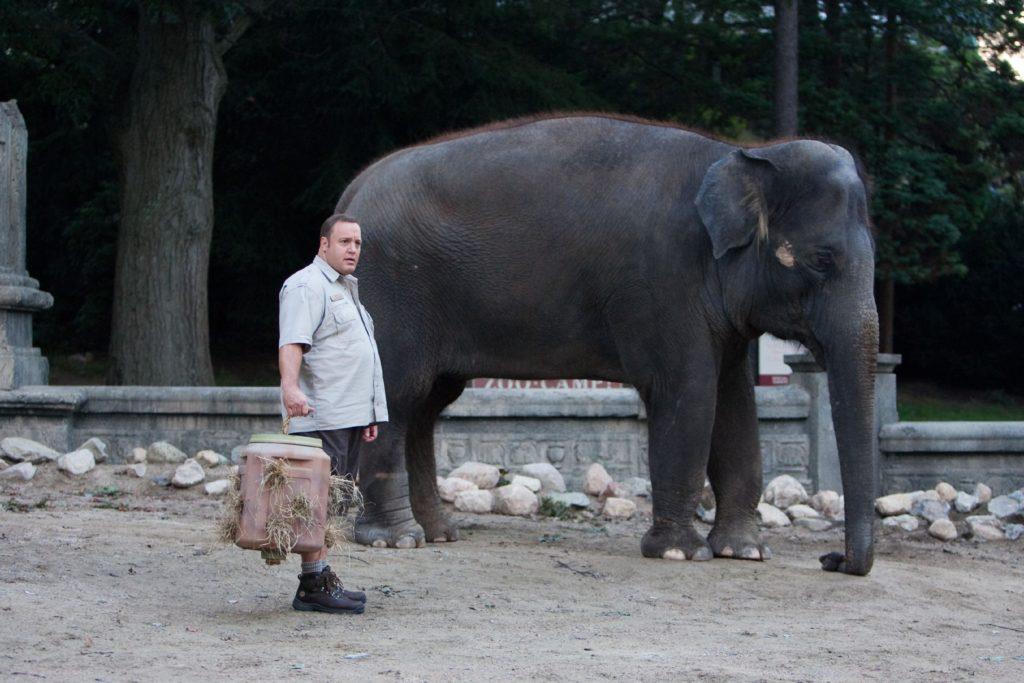 Tierpfleger Griffin (Kevin James) liebt Elefant Barry und die anderen Tiere im Zoo, dennoch will er den Dienst quittieren, um endlich die Frau fürs Leben zu finden.