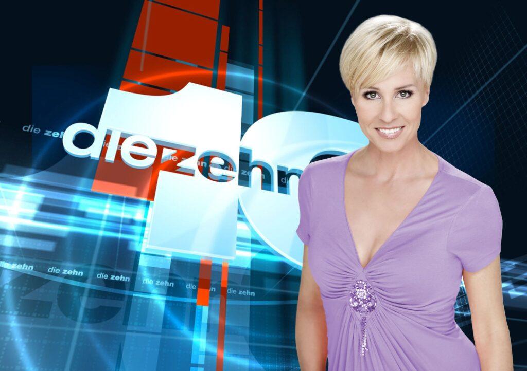 """Moderatorin Sonja Zietlow präsentiert """"Die 10 kultigsten RTL-Momente aller Zeiten""""."""