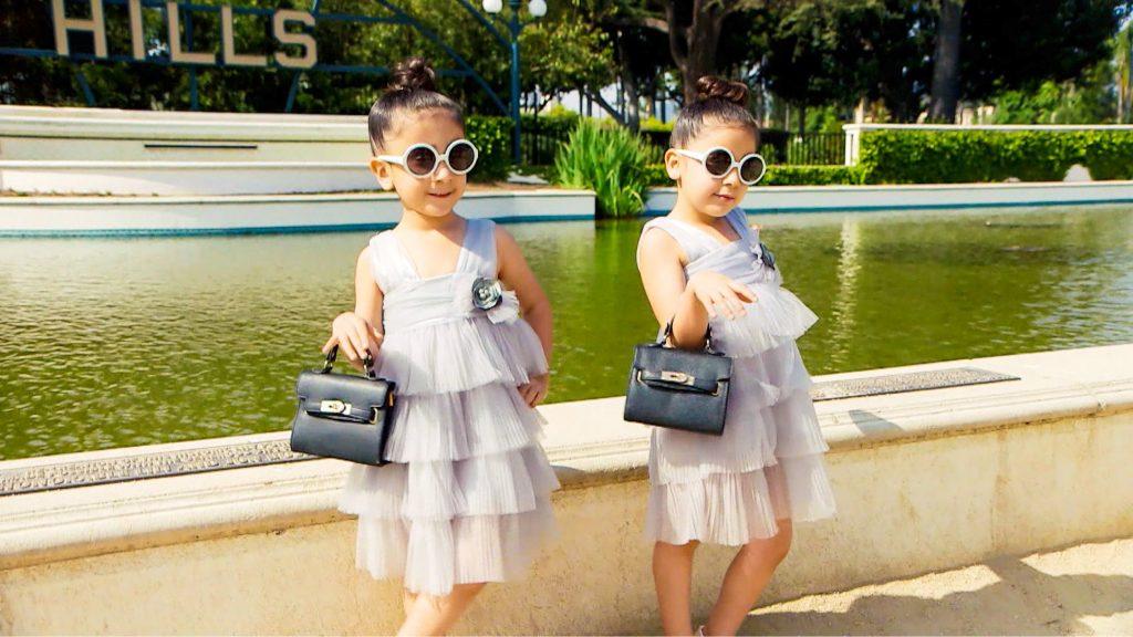 Die Zwillinge Bella und Chloe aus New York sind mit fünf Jahren bereits Fashionvorbilder: ein fragwürdiges Glück.