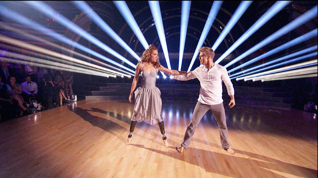 """Wir haben Gänsehaut-Momente wie den rührenden Auftritt von Amy Purdy, die zwei Beinprothesen hat und bei """"Dancing with the stars"""", der amerikanischen Version von """"Let`s Dance"""", mit einem Tanz ihren Vater überraschte, der im Publikum saß."""