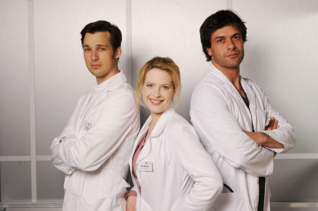 Nach einem Beziehungsdesaster landet Gretchen Haase wieder im Haus ihrer Eltern, einem Professor für Chirurgie und einer patenten Übermutter.