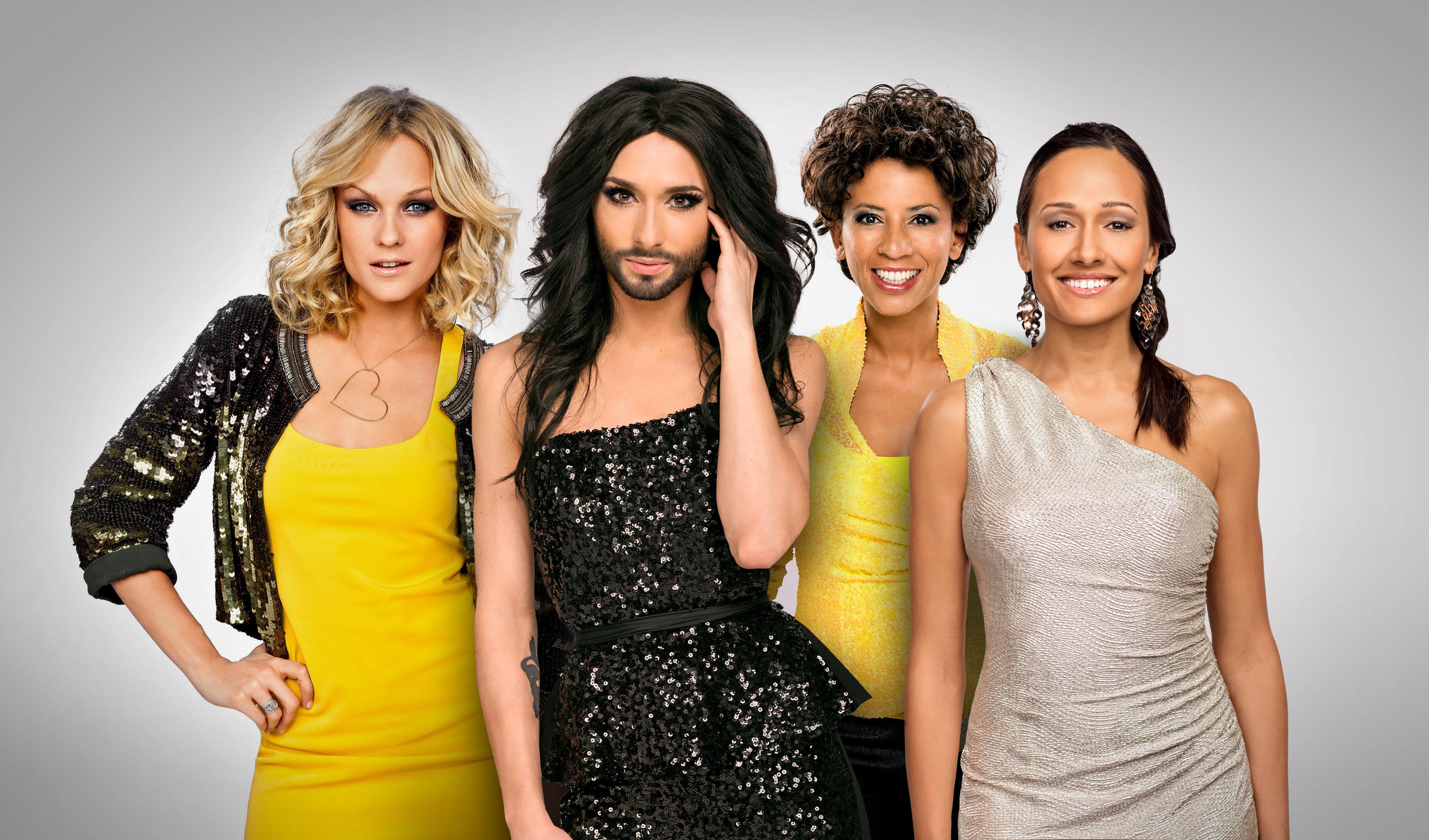 Mirjam Weichselbraun, Alice Tumler und Arabella Kiesbauer moderieren, Conchita Wurst hostet Green Room und performt Showacts.