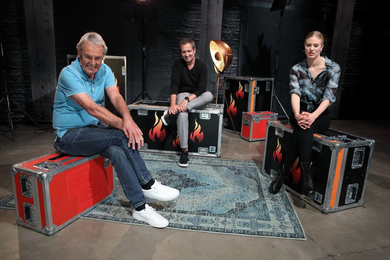 """Zu Gast bei """"Grill den Henssler"""": Jörg Wontorra, Dieter Nuhr, Larissa Marolt."""