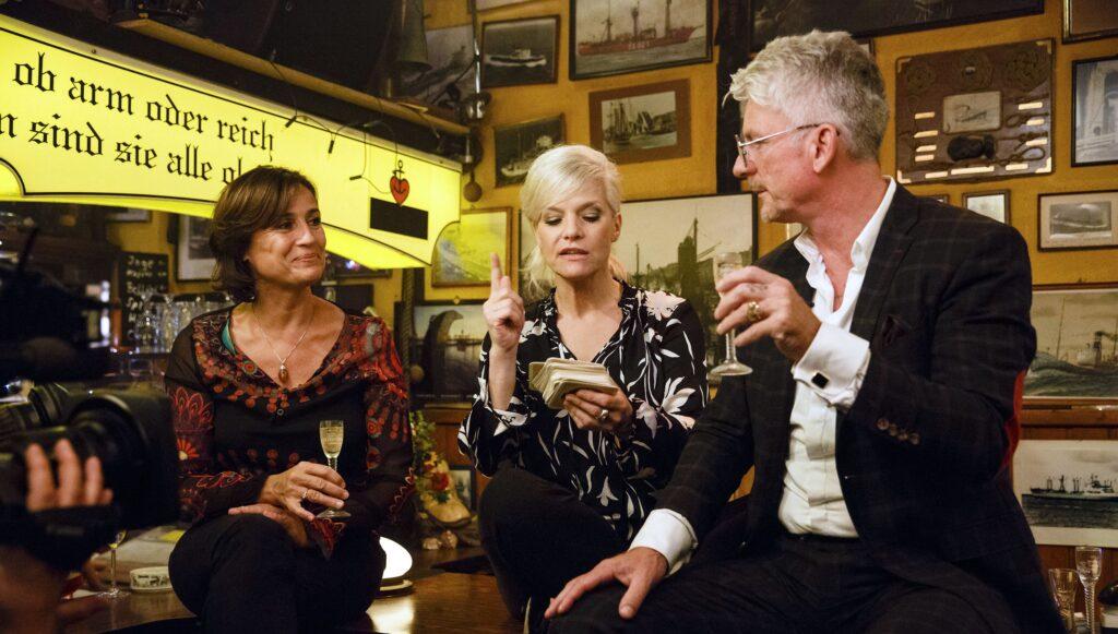 v.l.: Sandra Maischberger, Ina Müller und Heinz Strunk
