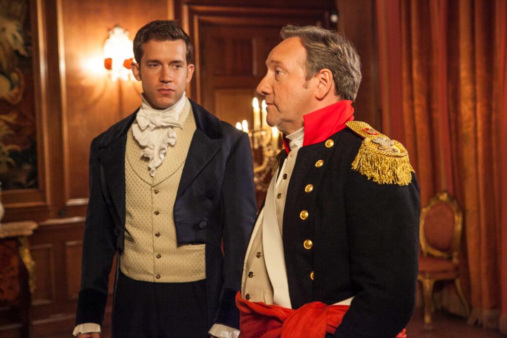 DCI John Barnaby (Neil Dudgeon, r.) und sein Assistent DS Jamie Winter (Nick Hendrix, l.) ermitteln im Fall einer ermordeten Journalistin auf einem Kostümfest zu Ehren der Autorin Jane Austen.