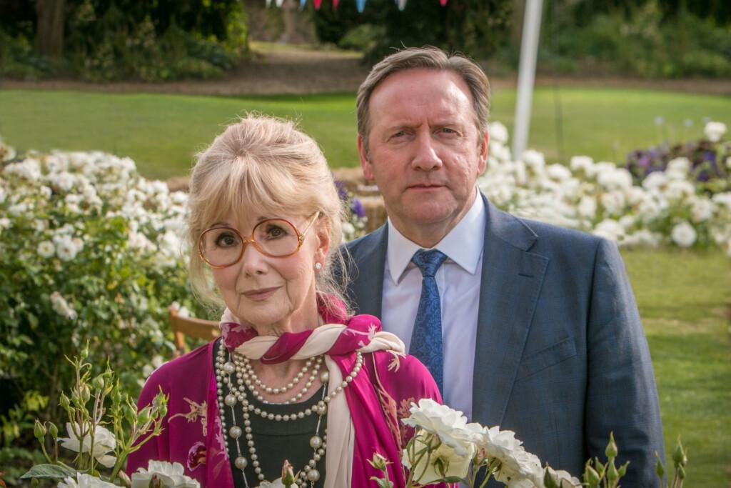 John Barnaby (Neil Dudgeon) findet heraus, dass die Ausrichterin der Kleintierschau, Delphi Hartley (Susan Hampshire) vom ermordeten Immobilienmakler Seb Huntington dazu gebracht werden sollte, ihre Veranstaltungshalle zu verkaufen. Damit hätte die Dame ein Motiv für den Mord.