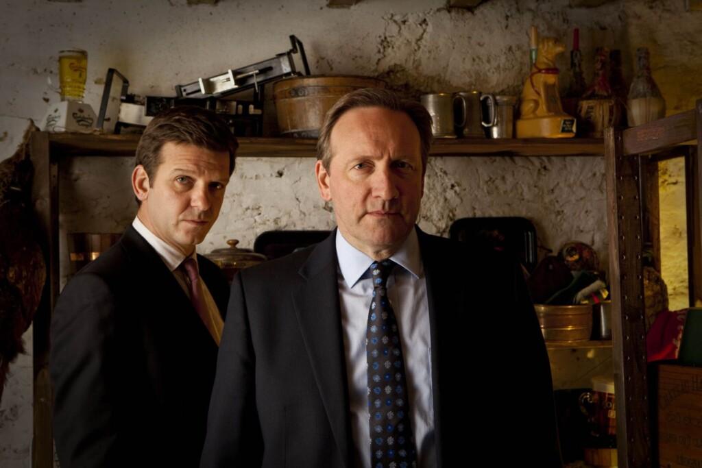 V.l.: DS Ben Jones Jason Hughes), DCI John Barnaby (Neil Dudgeon)