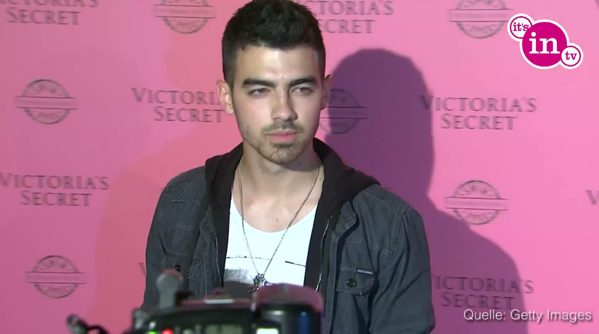 Hat Joe Jonas das Ufer gewechselt?