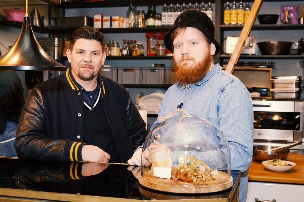 Tim Mälzer (l.) und Lukas Mraz in Wien.